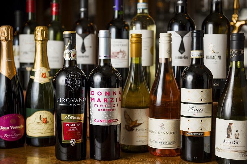 ワインボトルの並び
